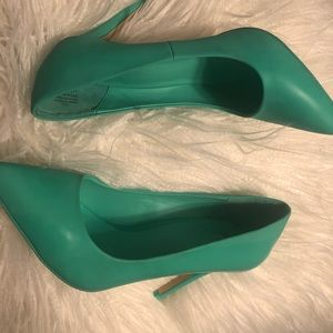 Mix No. 6 Shoes - Mint green pump heel, womens 7.5 size, pointy toe